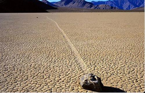 Racetrack Playa, piedras movedizas en California