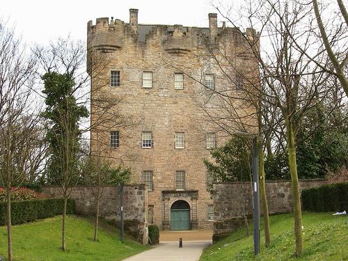 La Torre Alloa, historia en Escocia